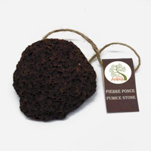 Pierre ponce volcanique avec corde